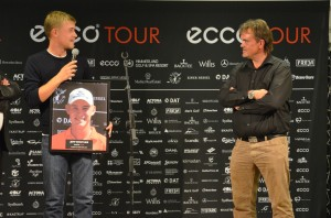 Jeff Winther blev ECCO Tour Player of The Year 2013. Han ses her midt i sin takketale.