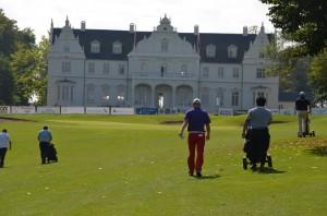 Stemningen foran 18. green, Kokkedal Slot og klubhuset er altid fantastisk ved Willis Masters