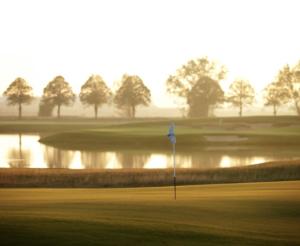 Nu kan du sikre dig en golfdag med spil og træning i selskab med to af Danmarks hotteste talenter